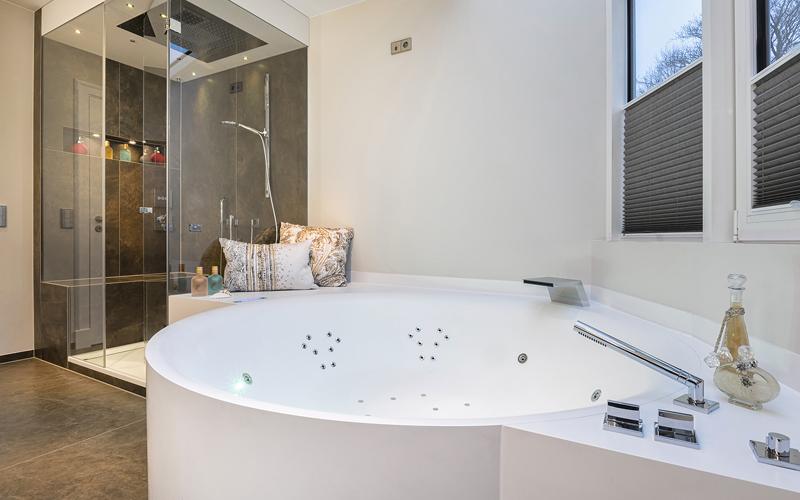 whirlpool entspannen im wasser f r drinnen oder draussen. Black Bedroom Furniture Sets. Home Design Ideas
