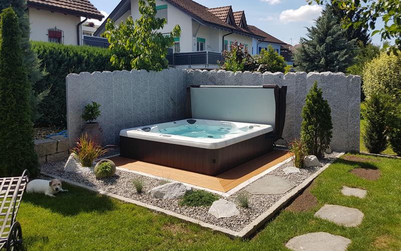 Whirlpool - entspannen im Wasser - für drinnen oder draussen